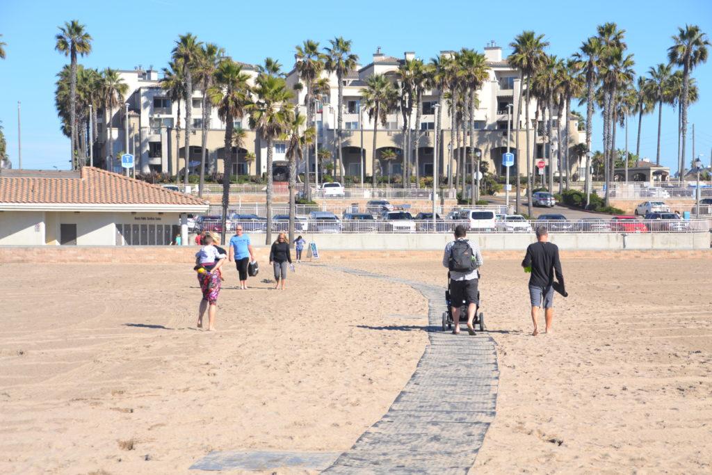 easy-sand-strolling